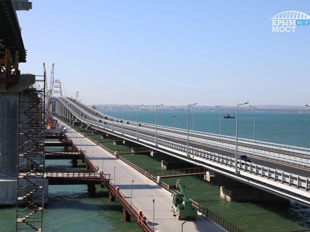 По Крымскому мосту проехало свыше 90 тысяч машин